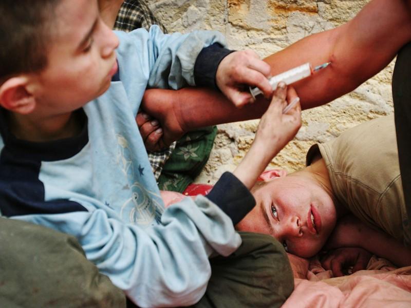 Нет-наркотикам Официальная статистика в отношении наркомании очень тревожна. В течение последних 6 лет распространенность