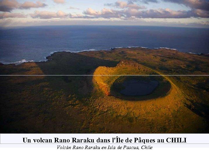 Un volcan Rano Raraku dans l'Île de Pâques au CHILI Volcán Rano Raraku en