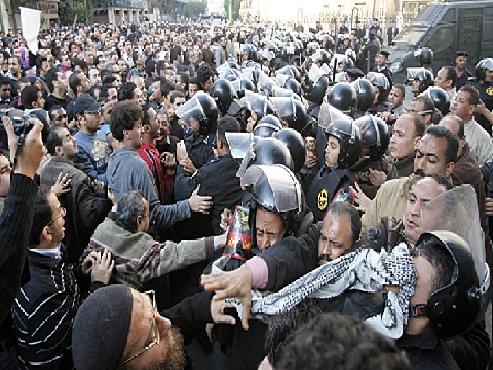 January 27, 2011 CNN Social media @ the front line in Egypt As in Tunisia,