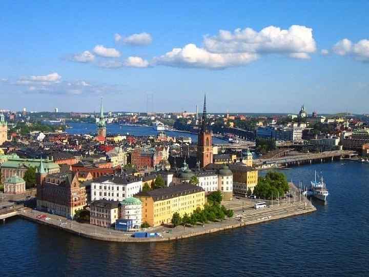 Hamburg liegt beiderseits der Elbe, nicht weit von der Mundung der Elbe in der
